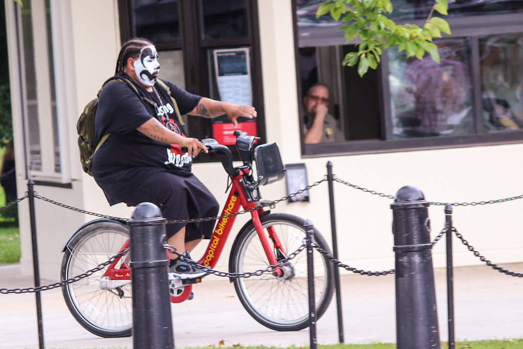 everyone bikes - even Juggalos
