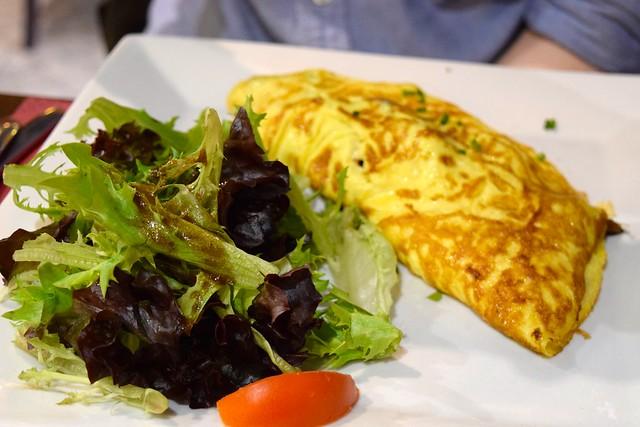 Omelette Complete at St. Malo | www.rachelphipps.com @rachelphipps