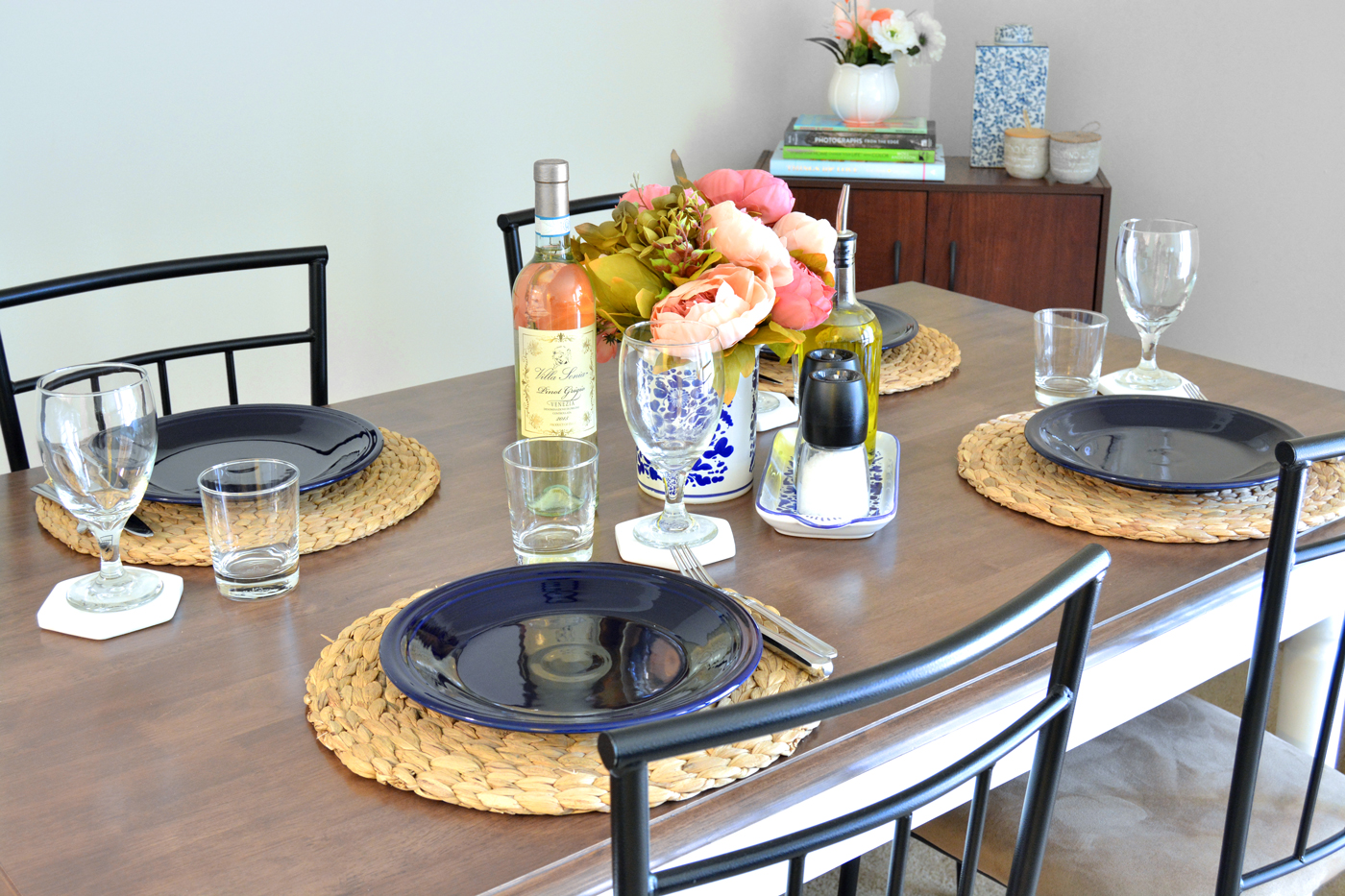 My End of Summer, Navy Blue Tablescape