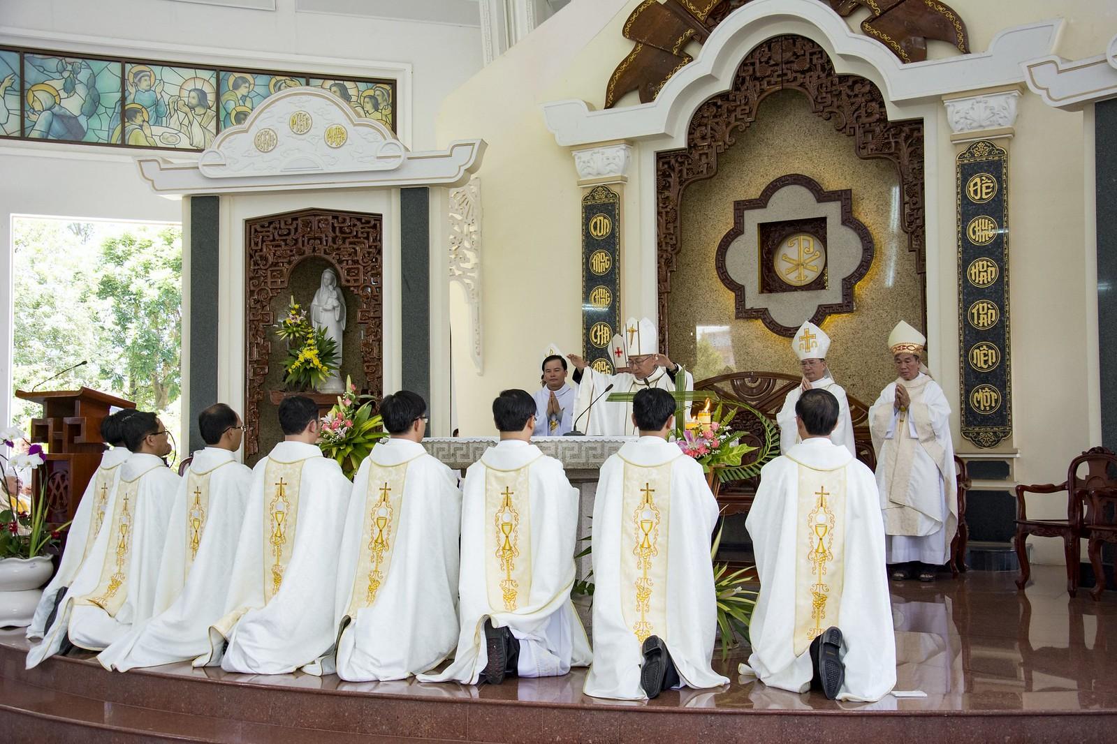 Đan Viện Thánh Mẫu Phước Sơn : Thánh Lễ Truyền Chức Linh Mục - Ảnh minh hoạ 18