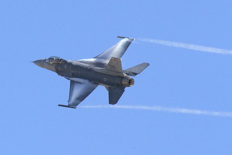 IMG_4802 F-16 Viper Demonstration Team