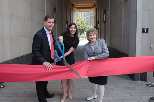 [R-L] Boston Mayor Marty Walsh, Related Beal President Kimberly Sherman Stamler and Massachusetts Secretary of Transportation Stephanie Pollack at the Lovejoy Wharf ribbon cutting