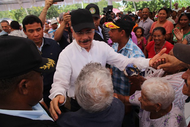 A Cristóbal, en Independencia, Danilo llevó hoy el inicio de una mejor vida para su gente