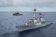 USS Benfold (DDG 65) and RSS Endurance (LST 207) steam in formation during exercise Pacific Griffin 2017, Aug. 28. (U.S. Navy/MC1 Benjamin A. Lewis)