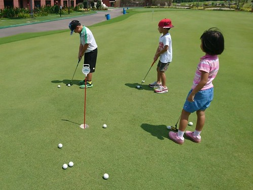 Family-Golf-Game-Challenges-e1501752661321 (1)