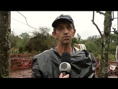 Vendaval destrói casas inteiras no Rio Grande do Sul
