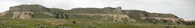 Arikaree Group sandstones over Brule Formation (Miocene-Oligocene; South Bluff, Scott's Bluff National Monument, Nebraska, USA)