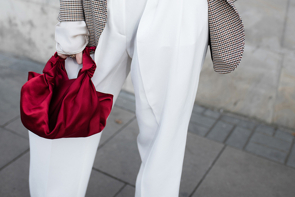 red-bag-street-style-trend copy