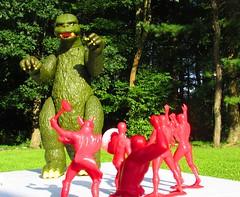 Marvel Heroes Vs. Godzilla 002