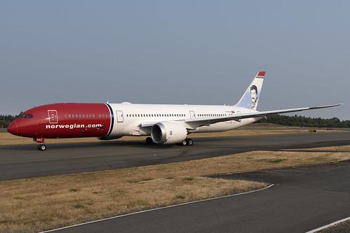 Norwegian Air UK Boeing 787-9 G-CKNA