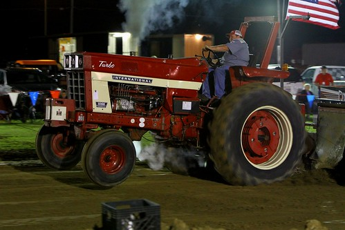 Pictures from the TN Soybean Festival: Biodiesel Tractor