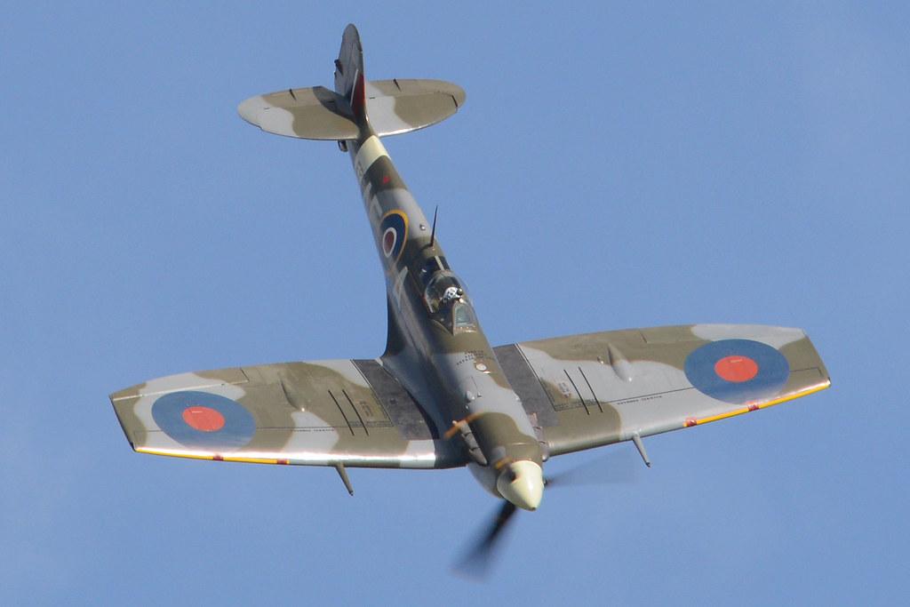 Supermarine Spitfire LF.Vb 'EP120 / AE-A' (G-LFVB)