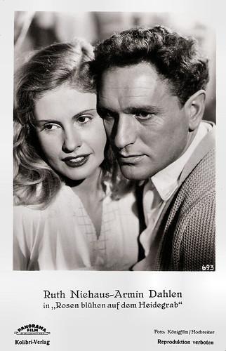 Ruth Niehaus and Armin Dahlen in Rosen blühen auf dem Heidegrab (1952)