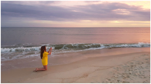 sunset beach ocean gulfofmexico florida stgeorgeisland floridapanhandle granddaughter kneeling candid theotherphotographer