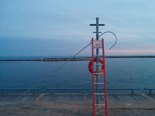 Hook and ladder #toronto #lakeontario #humberbay #marilynbellpark #evening #sky #hook #ladder