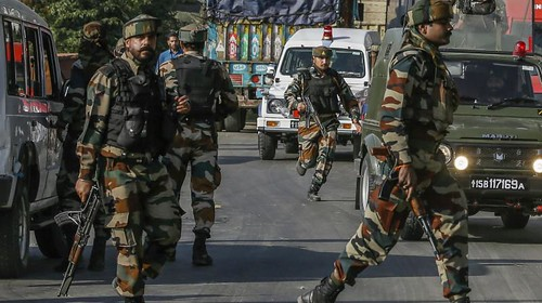 Indian Troops Launch Siege and Search Operation in Budgam