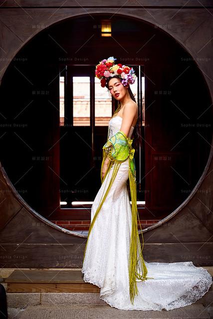 中式新娘,新娘造型,中式嫁衣,中式婚紗,旗袍婚紗,中國風婚紗,中式禮服,明星中式禮服,京劇婚紗