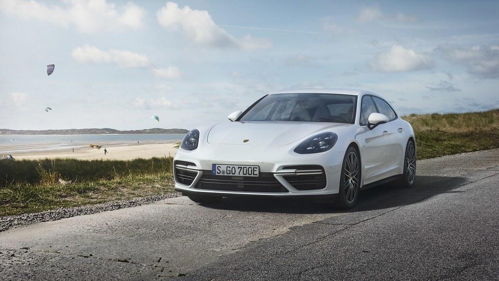 Porsche-Panamera-Turbo-S-E-Hybrid-Sport-Turismo-5