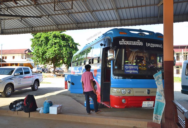 thailand laos border crossing bus to luang prabang
