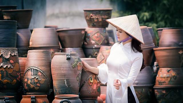 ao dai non la lam gom - linh van dinh (4)