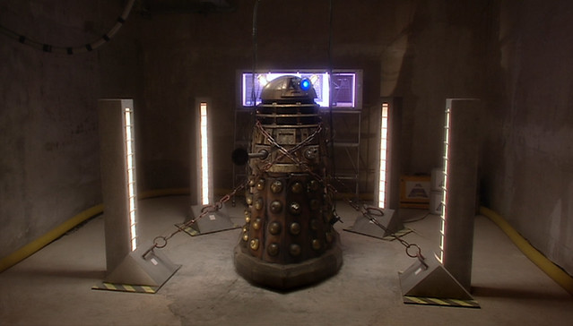 Doctor Who (2005) -1x06- Dalek -03-