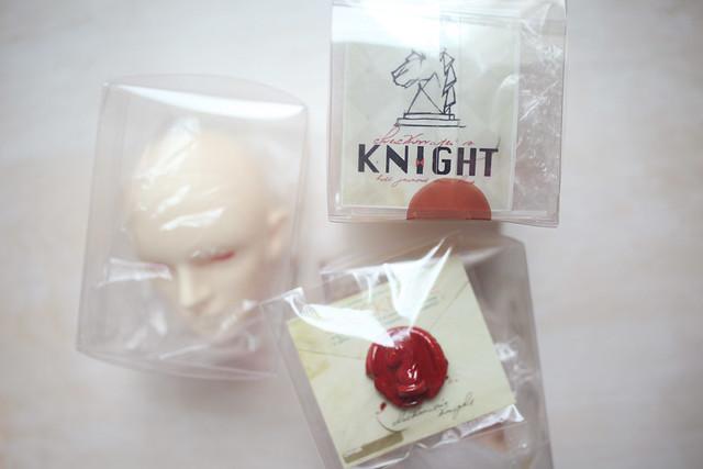 Knight packaging