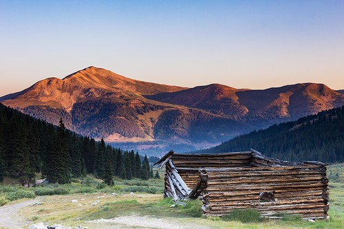 mayflowergulch summitcounty colorado mountains trail abandoned cabin building old decay sunrise canoneos60d canonef24105mmf4lisusm