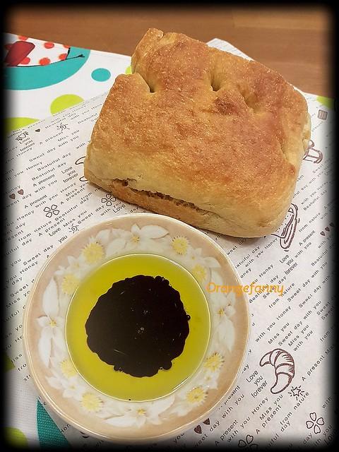 170910 佛卡夏麵包佐油醋醬-01