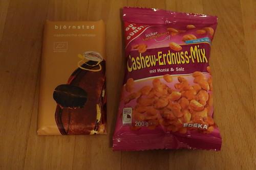 björnsted Schokolade cappuccino cremoso und Cashew-Erdnuss-Mix mit Honig & Salz