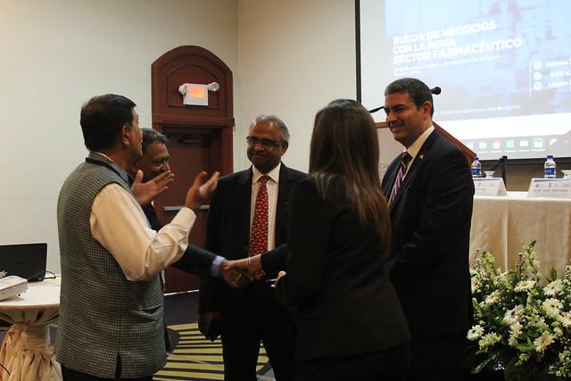 Rueda de negocios con empresarios de  la India