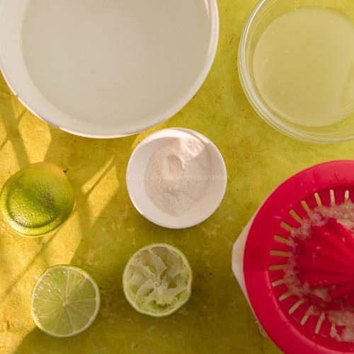 Agar-agar, water, limes, fruit juicer and lime juice.