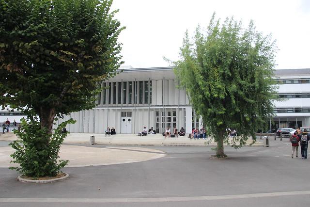 Visite au lycée polyvalent, lycée des métiers de l'Ingénierie industrielle et de l'automobile  Albert Claveille à Périgueux