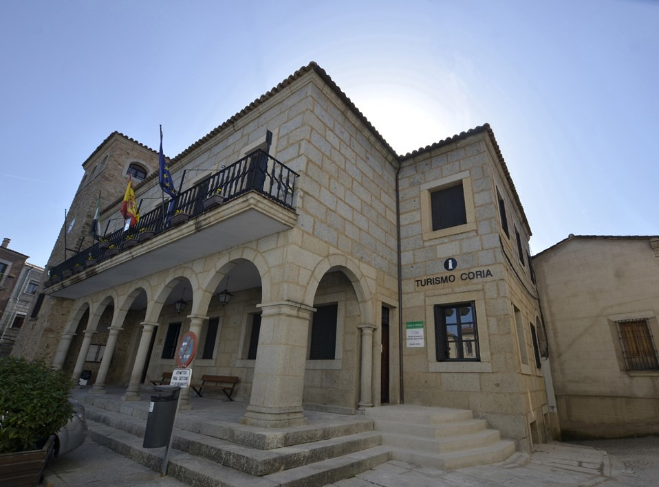Abierto el plazo de las Escuelas Profesionales de Ayuda a Domicilio y Técnico de Información Turística