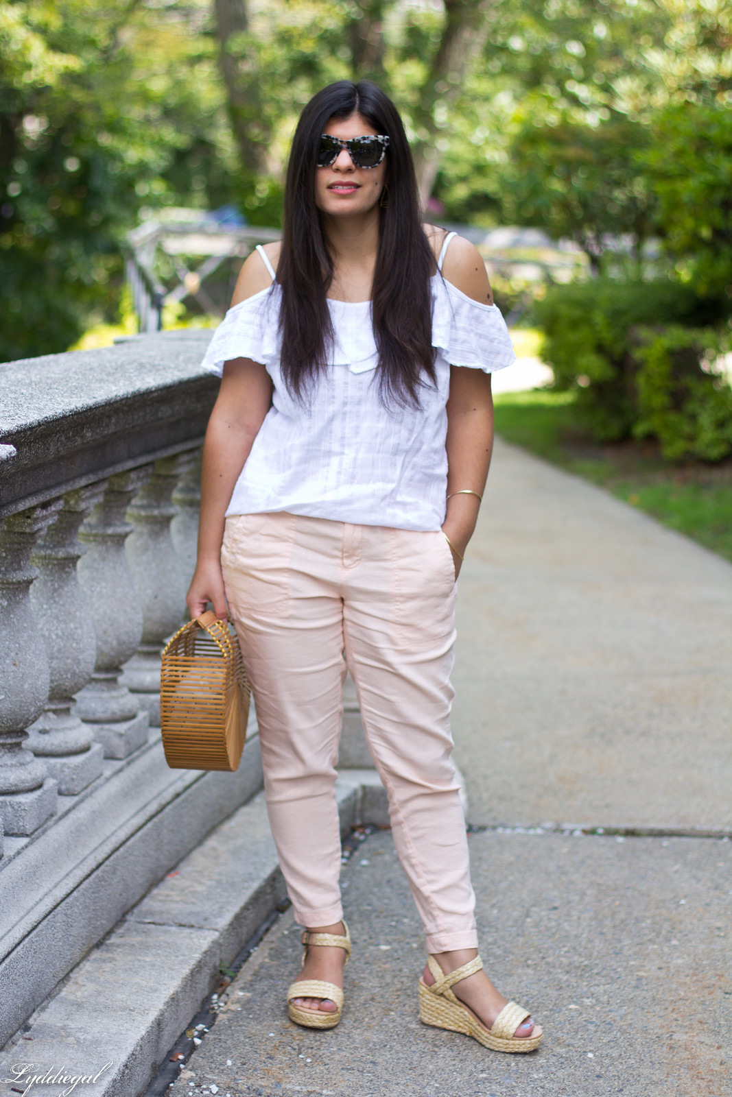 white off the shoulder cami, blush linen pants, bamboo purse-5