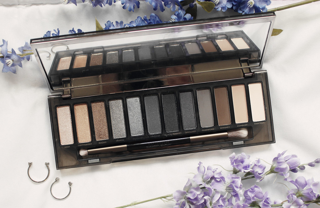 4664-beauty-makeup-skincare-sephora-vibrouge-cosmetics-urbandecay-nakedpalette-nakedsmoky-clothestoyouuu-elizabeeetht-flatlay