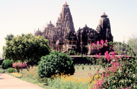 032-1KhajurahoIndia1995