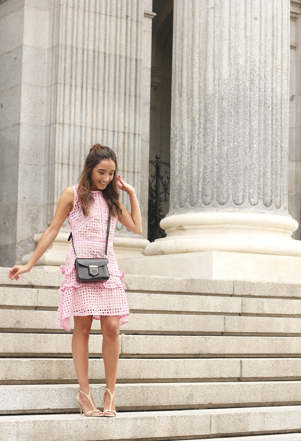 Pink dress summer givenchy bag nude heels outfit girl style07