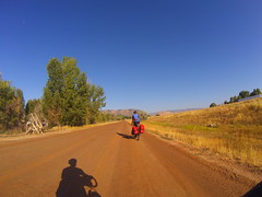 Dirt road to Henefer