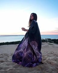 Let me introduce you to this beautiful @snfkimono, the perfect mix between French fashion and the Arabic abaya. More kimonos on snf-kimono.com ! ・・・ Follow @snfkimono @snfkimono ・・・ #mysnfkimono #subhanabayas #fashionblog #lifestyleblog #beautyblog #dubai