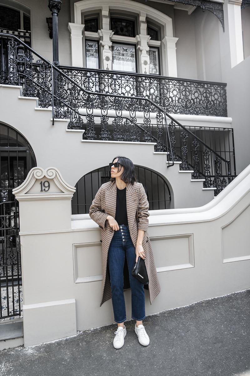 joseph houndstooth coat straight leg jeans tee minimal balenciaga triangle bag clutch street style fashion blogger outfit (6 of 7)