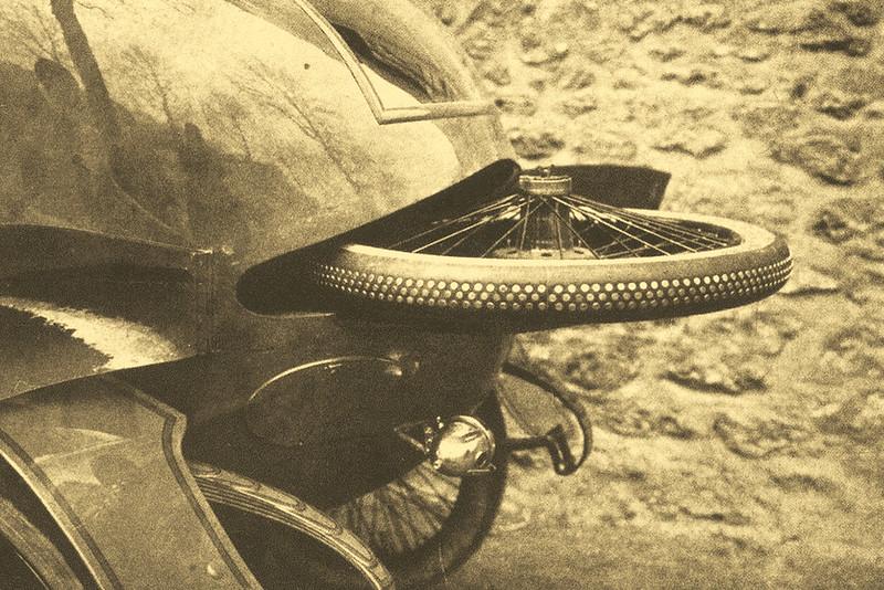 Запасное колесо в кузове работы французского ателье Alin-Liautard на шасси Gregoire 15слэш22CV выпуска 1911 года Кузов назвали sous-marin — подлодка