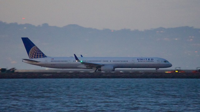 United Airlines Boeing 757 -300 DSC_0303