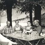 1960 Prömer Wirtsleute mit Gäste