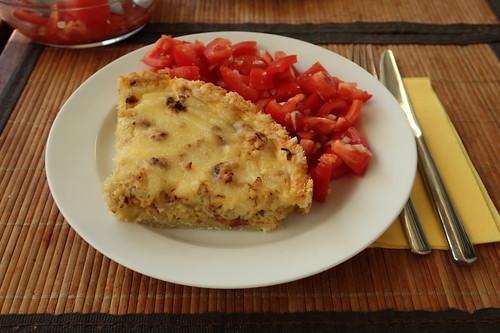 Blumenkohltarte (aufgebacken) mit Tomatensalat