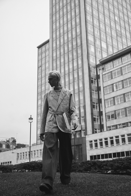 MikkoPuttonen_Rafsimons_cropped_sweter_aw17_Tonsure_Copenhagen_fashion_blogger_london_outfit_menswear_marni11_bw_web