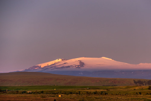 hotel ranga island iceland blue hour sunset sky purple vacation 2017 august sony alpha a7r vario tessar 1635mm fullframe fe lens f4 mount hekla vulcano