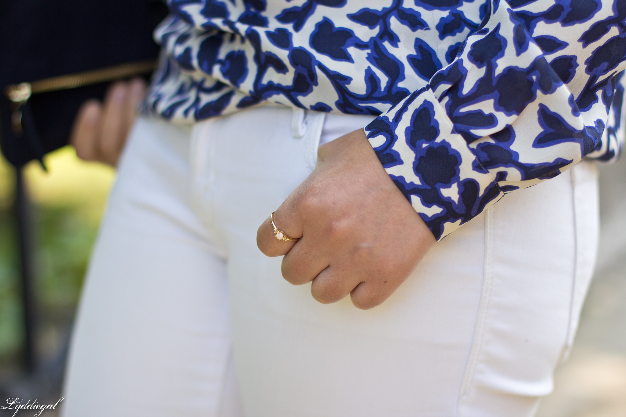 blue and white floral blouse, fringe pumps, clare v clutch-8.jpg