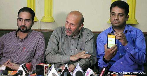 Er Rasheed Independent-MLA-From-Langate-Sheikh-Abdul-Rashid-Addresses-Press-Conference-In-Srinagar-on-Saturday3