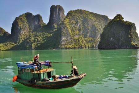 Indonésie, Nový Zéland, Západ USA, Indie či Vietnam – to jsou bezpečné země, kde si lze na podzim prodloužit léto a zažít spoustu neuvěřitelných zážitků.