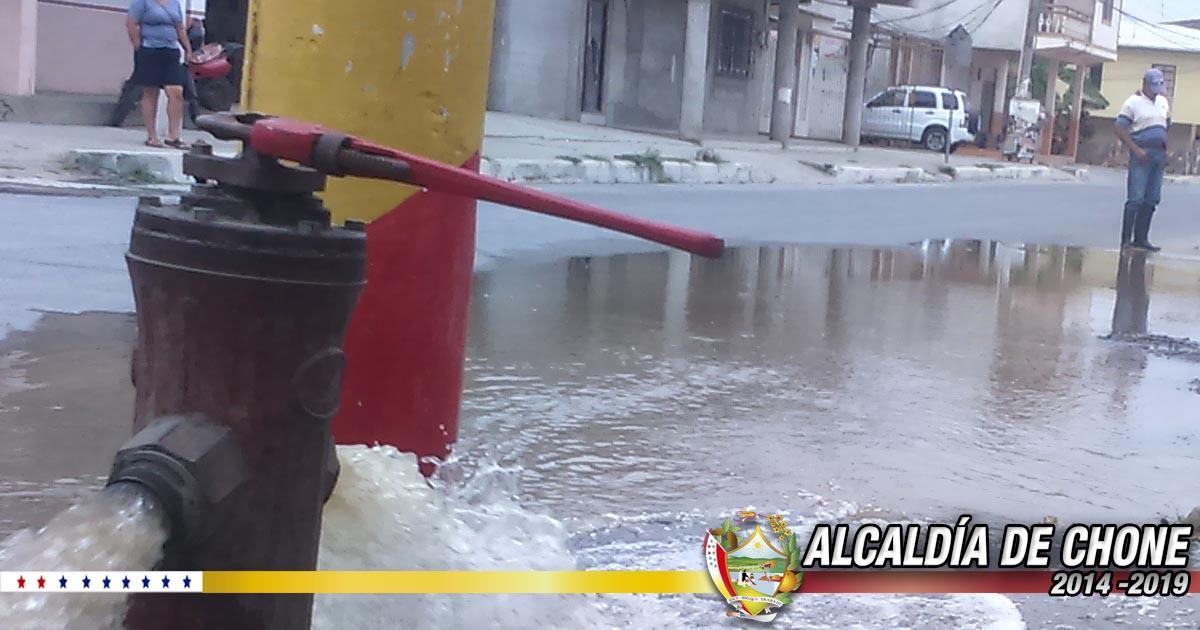 Chone cuenta con 50 hidrantes, 23 están funcionales afirman técnicos de Aguas del Chuno